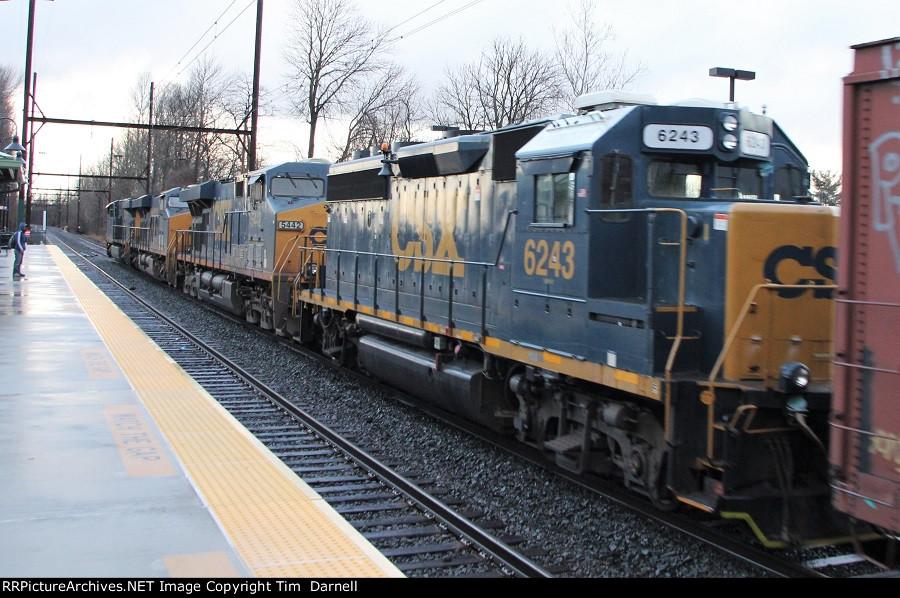 CSX 6243 on Q438